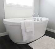 bathtub-2485957_1920